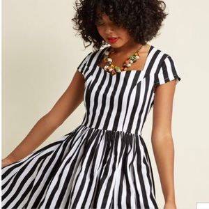 ModCloth black and white dress size M